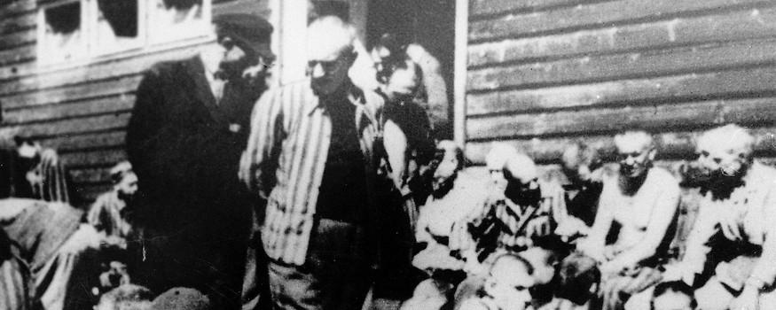 Holocaust-Überlebende in Mauthausen nach der Befreiung durch die Aliierten