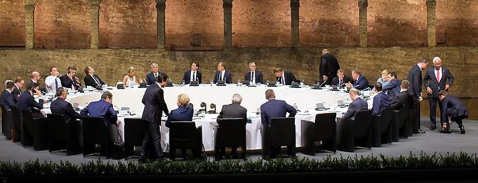 Regierungschefs der EU anlässlich eines informellen Abendessens der Staats- und Regierungschefs im Rahmen eines Informellen Gipfels der Staats- und Regierungschefs am Mittwoch