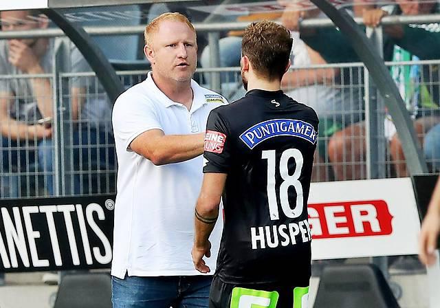 Sturm-Trainer Heiko Vogel mit Philipp Huspek