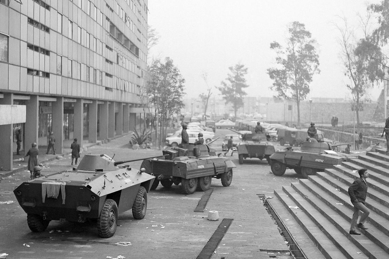 Panzer und Soldaten in Tlatelolco, 1968