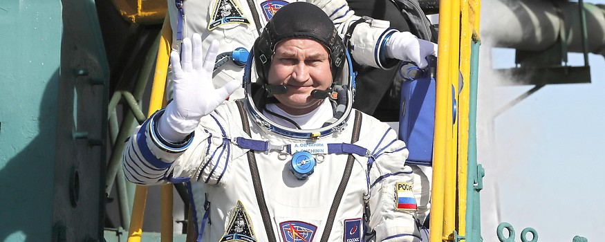 Kosmonauten Owtschinin und Hague vor dem Start