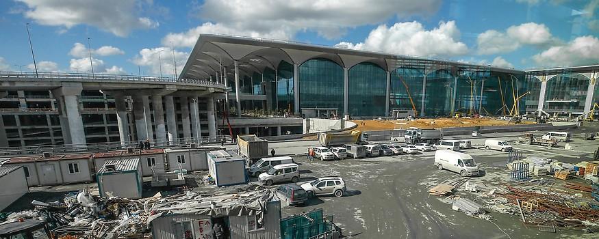 Eindrücke vom Flughafen in Istanbul
