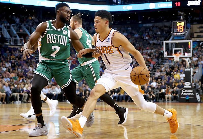 Devin Booker (Phoenix Suns) und Jaylen Brown (Boston Celtics)