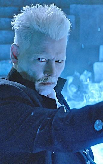 """Szene des Films """"Phantastische Tierwesen: Grindelwalds Verbrechen"""" mit Johnny Depp"""
