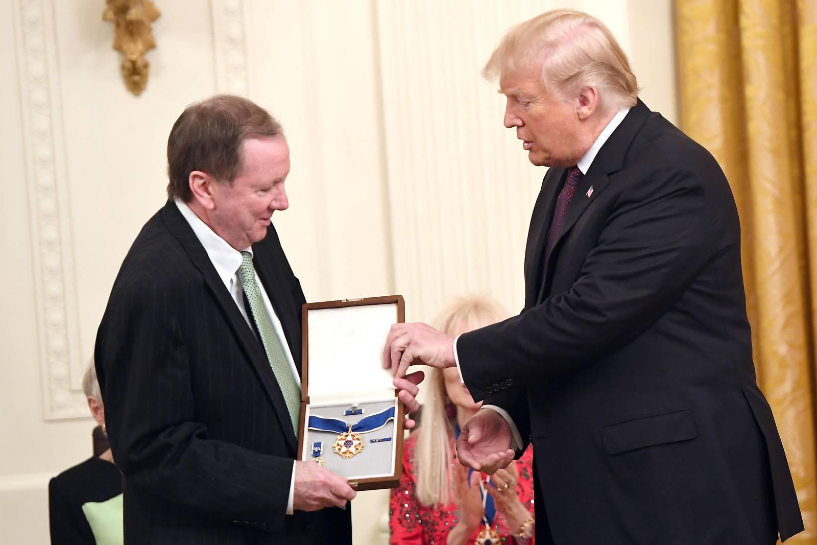 Trump ehrt Elvis Presley mit höchster ziviler Auszeichnung