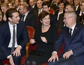 Bundeskanzler Sebastian Kurz , Bundespräsident Alexander Van der Bellen und seine Frau Doris Schmidauer