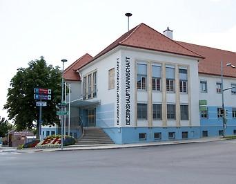 Gebäude der Bezirkshauptmannschaft Neusiedl am See