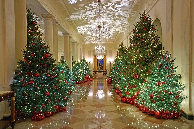 Weihnachtsdeko Im Angebot.Viel Rot Melania Trump Enthüllt Weihnachtsdeko Im Weißen Haus
