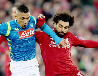 Allan (Napoli) und Mohamed Salah (Liverpool)