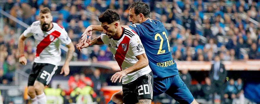Milton Casco (River Plate) und Carlos Izquierdoz (Boca Juniors)