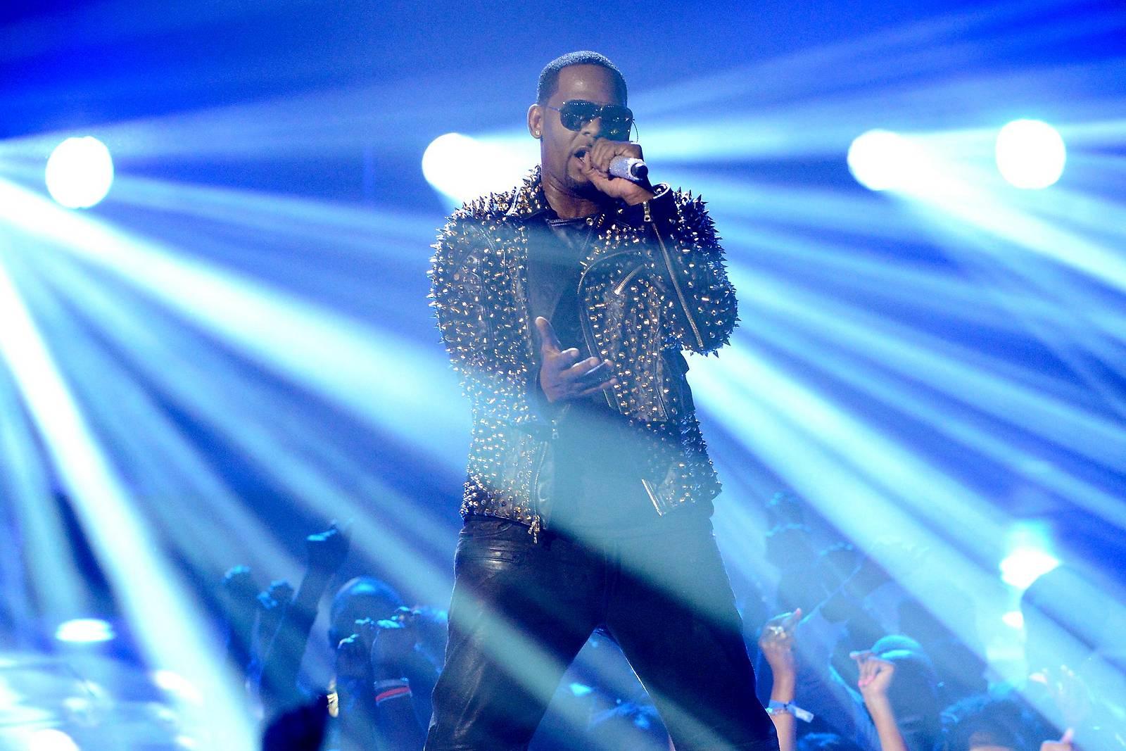 Druck auf Sänger R. Kelly steigt nach Missbrauchsvorwürfen