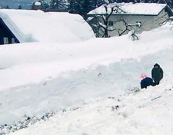Schneewall in Abtenau