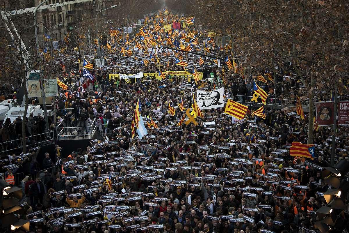 Rund 200.000 Menschen bei Protesten in Barcelona