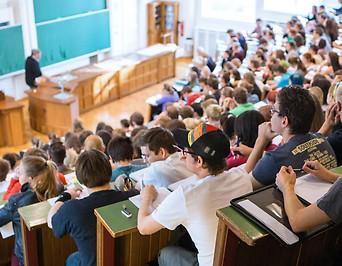 Hörsaal während Vorlesung