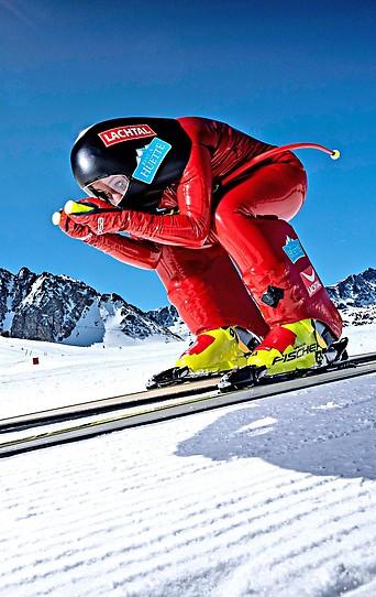 Nicole Schmidhofer im Speed-Rennanzug