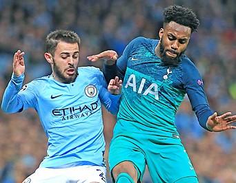 Bernardo Silva (Manchester City) und Danny Rose (Tottenham Hotspur)