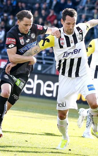 Stefan Hierlaender (Sturm) und Emanuel Pogatetz (LASK)