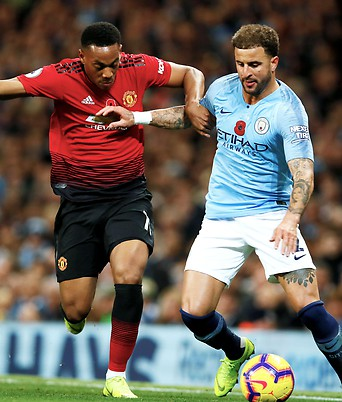Anthony Martial (United) gegen Kyle Walker (City)