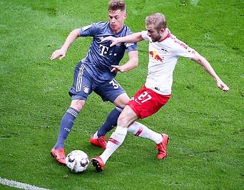 Joshua Kimmich (Bayern) und Konrad Laimer (RB Leipzig)