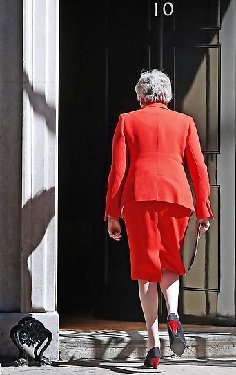 Rückenansicht von Theresa May