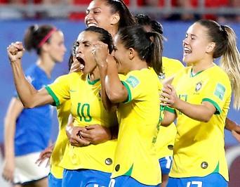 Jubel von Brasiliens Marta