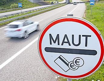 Maut-Hinweisschild auf einer deutschen Autobahn