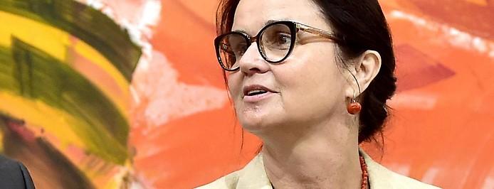 Sozialministerin Brigitte Zarfl