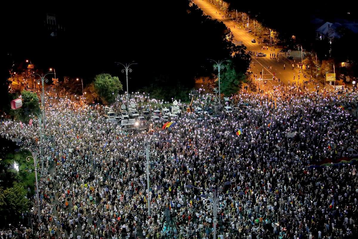 Zehntausende fordern Rücktritt von Rumäniens Regierung