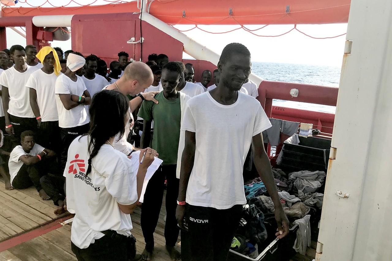 """Flüchtlinge auf dem Rettungsschiff """"Ocean Viking"""""""