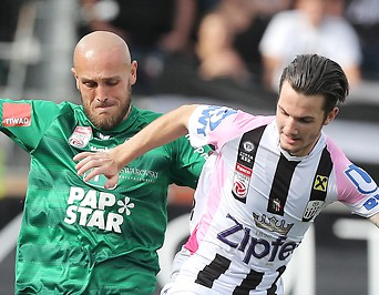 Lukas Grgic (Tirol)  und Thomas Sabitzer (LASK)