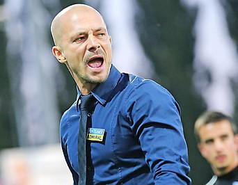 Sturm-Trainer Nestor El Maestro