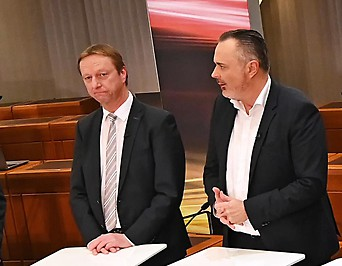 Johann Tschürtz (FPÖ), Hans Peter Doskozil (SPÖ), ORF-Moderator Walter Schneeberger, Thomas Steiner (ÖVP)