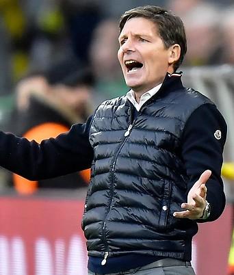 Wolfsburg's Cheftrainer Oliver Glasner.