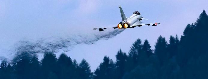 Ein Eurofighter von hinten aufgenommen