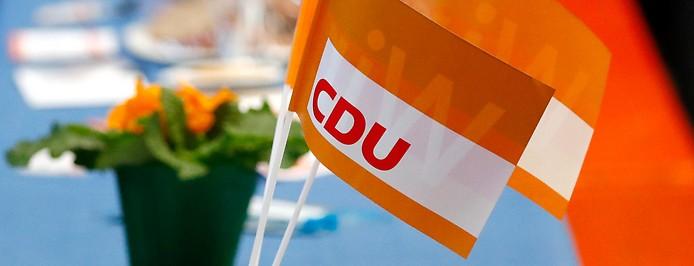 CDU Fahnen auf einem Parteitag