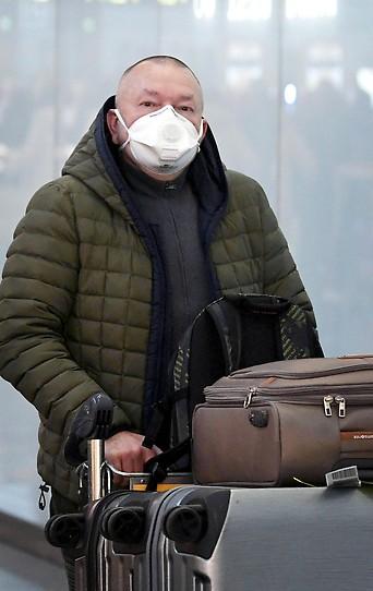Flugreisender am Flughafen Wien