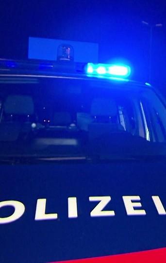 Polizeiautos nachts