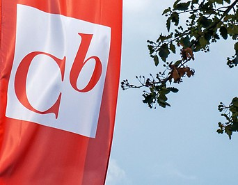 Fahne mit Logo der Commerzialbank