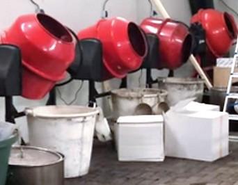 Mischmaschinen in einem Kokainlabor in den Niederlanden