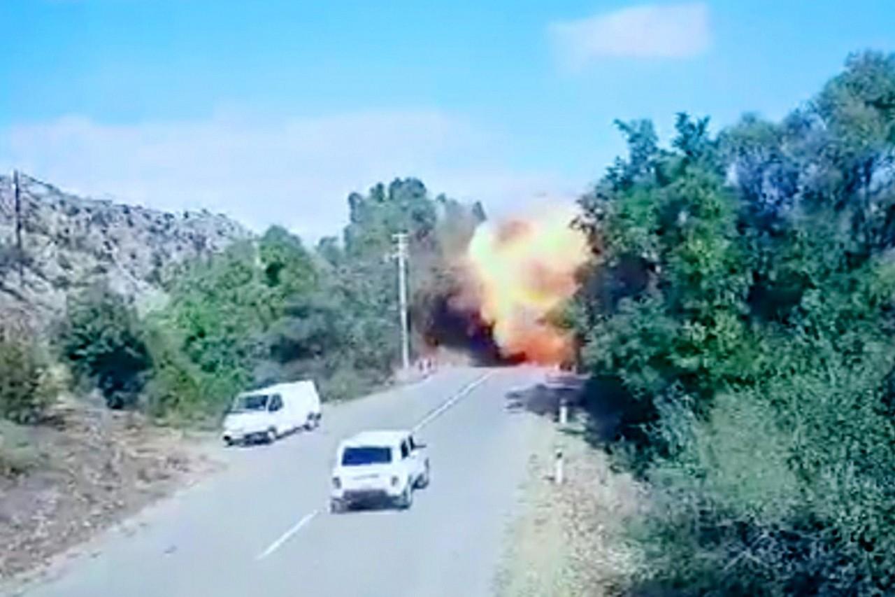 Gewalt Im Kaukasus Hauptstadt Von Bergkarabach Bombardiert News Orf At