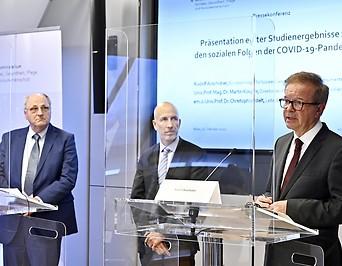 WIFO-Leiter Christoph Badelt, IHS-Direktor Martin Kocher, Sozialminister Rudolf Anschober (Grüne)