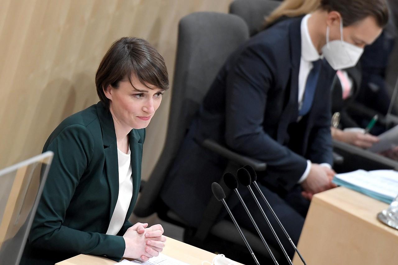 Grünen-Klubchefin Sigi Maurer und Finanzminister Gernot Blümel