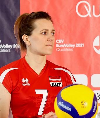 Sophie Wallner (AUT) bei einer Pressekonferenz