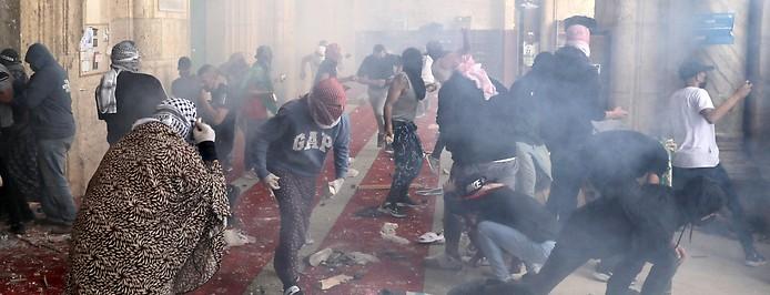 Zusammenstöße zwischen Palästinenser und israelischen Militärs in der Al Aqsa Moschee