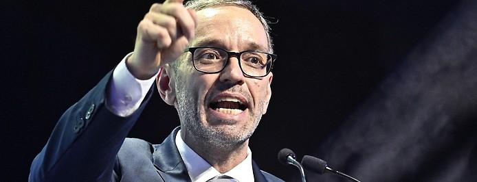 Herbert Kickl während des außerordentlichen Bundesparteitages der FPÖ in Wiener Neustadt