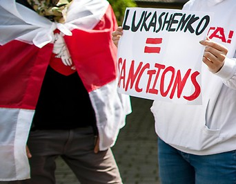 Demonstranten in Vilnius fordern Sanktionen gegen Belarus