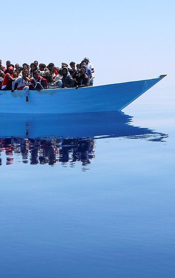 Ärzte-ohne-Grenzen (MSF) retten Flüchtlinge im Mittelmehr
