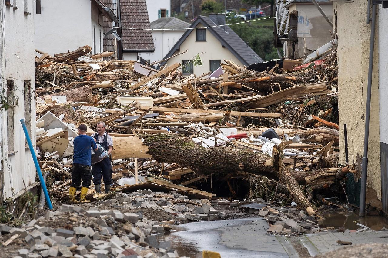 Hochwasserkatastrophe: Über 80 Tote in Deutschland -Alemania: 107 muertos y 1.300 desaparecidos