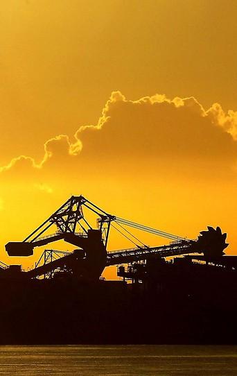 Excavator beim Abbau von Kohle
