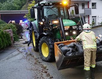 Aufräumarbeiten nach Unwetter Uderns, Tirol